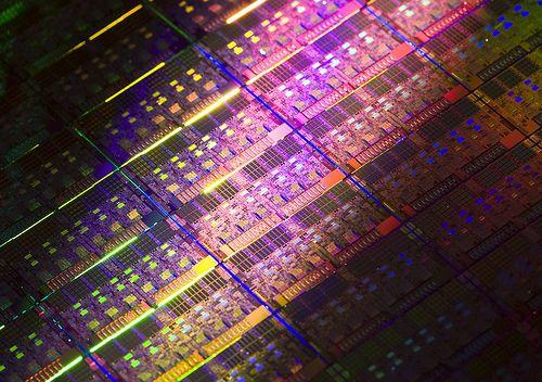 인텔, 페북·구글 서비스 겨냥한 칩개발 가속도