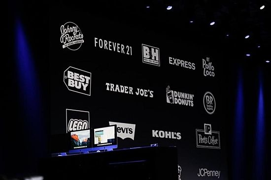 애플은 6월까지 백만개가 넘는 소매업체와의 제휴를 마칠 예정이다. (사진 = 씨넷)