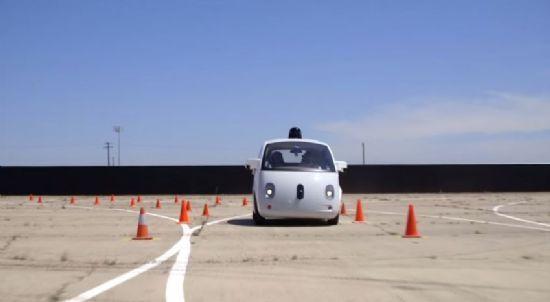 코너링 테스트 중인 구글 자율주행차 프로토타입 (사진=구글)