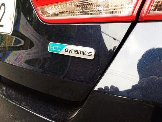 ECO Dynamics 로고가 새겨진 신형 K5 1.7 디젤 모델(MX)