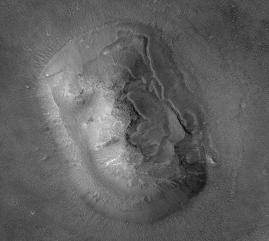 화성에서 발견된 이상한 물체 총정리