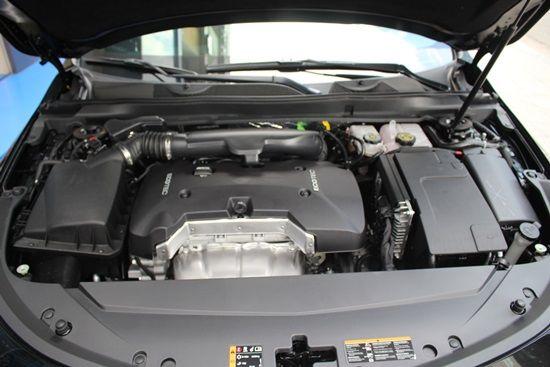임팔라 2.5 LT 모델 엔진룸. 최고출력 199마력, 최대 토크 26.0kg·m의 ECOTEC SIDI L4 엔진이 탑재됐다. (사진=지디넷코리아)
