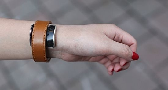평범한 시계를 스마트워치로…마법의 장치 '화제'