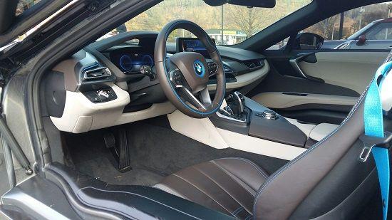 i8 운전석(사진=지디넷코리아)