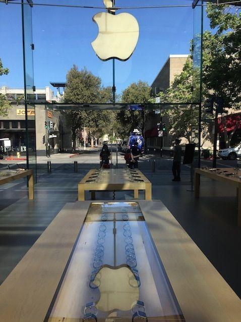 무선충전·VR·AR 기술 개발 나선 애플, 왜?