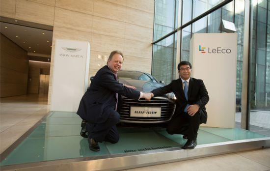 앤디 팔머 애스턴 마틴 CEO(사진 왼쪽)와 레이 딩 러에코 공동창업자(사진 오른쪽)가 전기차 개발을 위해 서로 손을 잡았다 (사진=애스턴 마틴)
