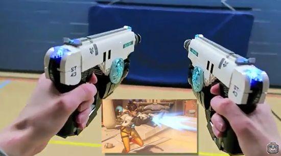 유튜브에 공개된 레고로 만든 오버워치 트레이서의 펄스 쌍권총.