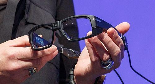인텔이 공개한 스마트안경 (사진=씨넷)