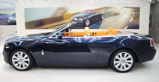 롤스로이스 던의 차체 길이는 5천285mm에 이른다 (사진=지디넷코리아)