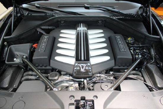 롤스로이스 던에 탑재된 6.6리터 12기통 트윈 터보 엔진 (사진=지디넷코리아)