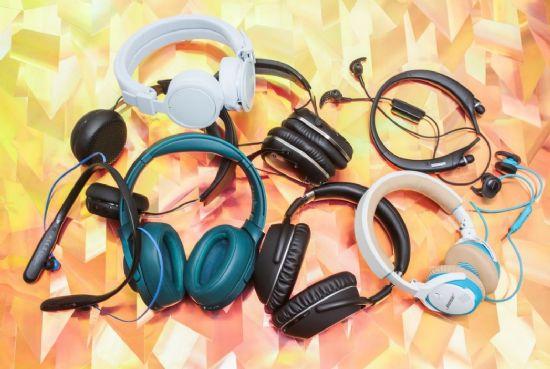 아이폰7에서 쓸 수 있는 블루투스 헤드폰들. (사진=씨넷)