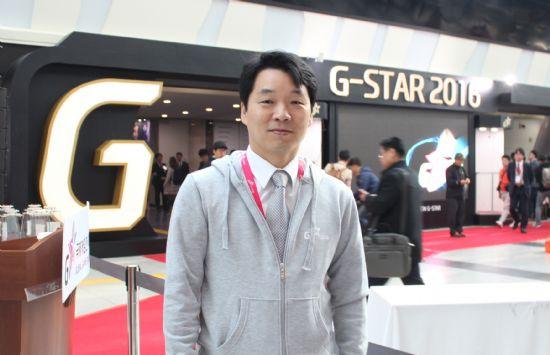 지스타 2016 행사장을 찾은 김병관 더불어민주당 의원.