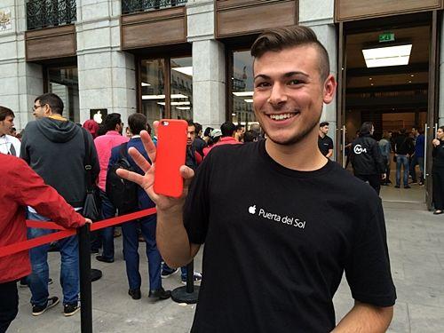 애플이 내년에 빨강 아이폰을 내놓을 것이라는 전망이 나왔다. (사진=씨넷)