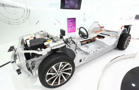LG화학 '중대형 전지 EV' 플랫폼 전시물 (사진=LG화학)
