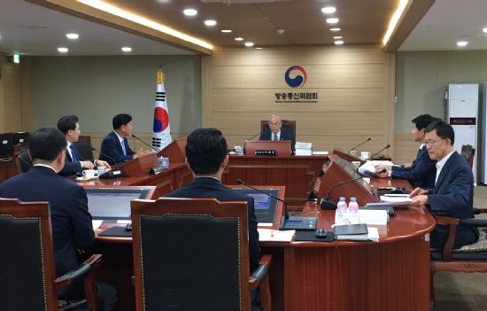 방통위, 강릉 펜션 사고 '과열 취재' 비판 한 목소리