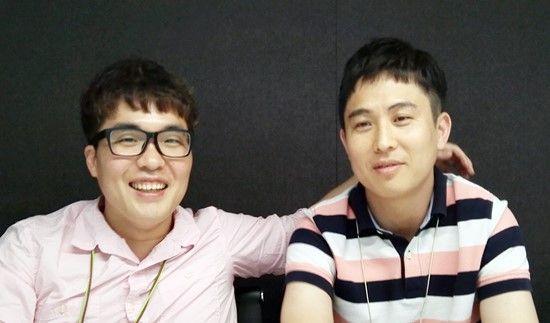 카카오뱅크 DBA 성동찬 씨(왼쪽)와 성세웅 씨