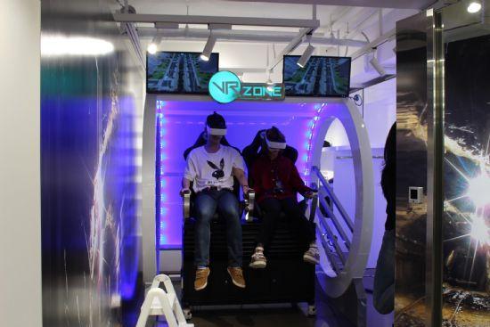 예쉬컴퍼니의 VR체험 시뮬레이터 '스페이스델타'.