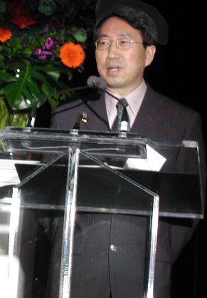 김 교수가 한 행사에서 강연하고 있다.