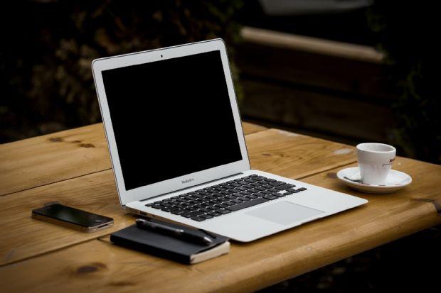 애플이 오는 2분기 저가형 13인치 맥북에어를 출시할 수 있다는 소식이 나왔다.(사진=픽사베이)