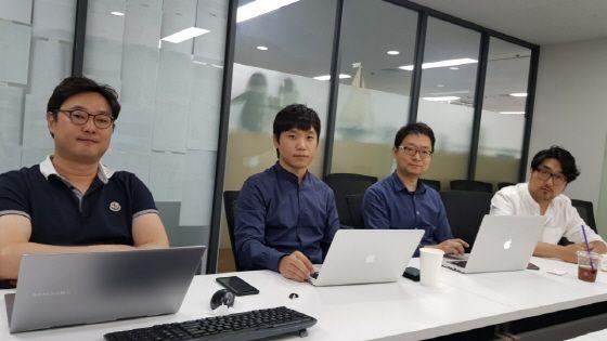 김재환 이브이알스튜디오 대표, 민동준 총괄PD, 박재욱 테크니컬 AD, 구범석 AD.