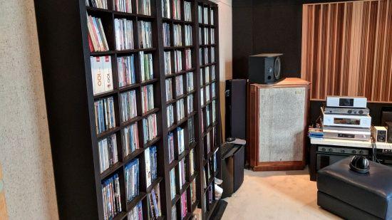 개발 과정에 쓰이는 대부분의 음반은 김영민 CTO의 개인 소장품이다. (사진=지디넷코리아)