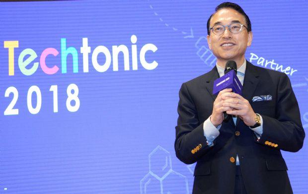 홍원표 삼성SDS 대표가 '테크토닉 2018'에서 인사말을 하고 있다.