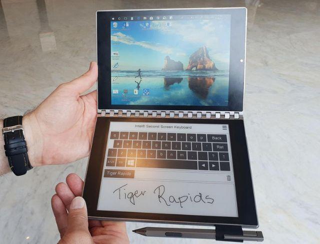 작년 컴퓨텍스에서 인텔이 공개한 윈도10 기반 듀얼스크린 태블릿
