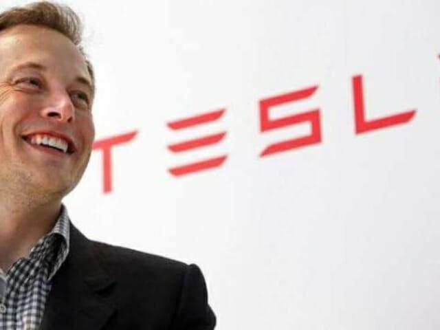 1 Bitcoin으로 Tesla Model 3 구매